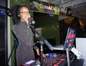 DJ T.O. Spinning At The UpsQale Affair